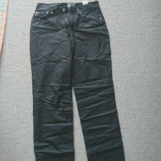 アイスバーグ(ICEBERG)のICEBERG黒パンツ30(クロップドパンツ)