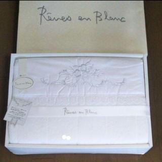 キルトケット!綿100%!サイズ140×190!格調高く純白に輝くリネンです新品(毛布)