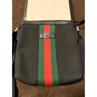 グッチ(Gucci)のgucci メッセンジャーバック 美品 黒(メッセンジャーバッグ)
