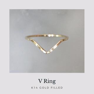 《 V 》 14kgf V字槌目リング ゴールド  指輪 華奢 極細 ピンキー有(リング)