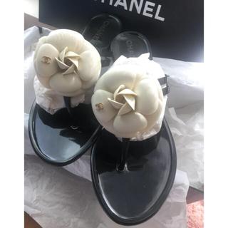 CHANEL - ▶︎▶︎ CHANEL シャネル カメリア ビーチサンダル ブラックオフホワイト