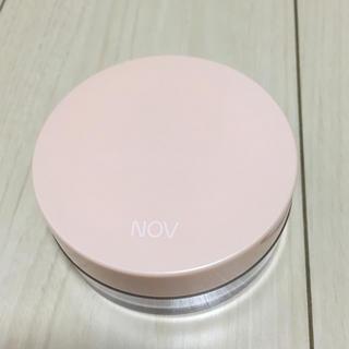 ノブ(NOV)のノブ ルースパウダーUV つやと立体感のある仕上がり 透明タイプ (フェイスパウダー)