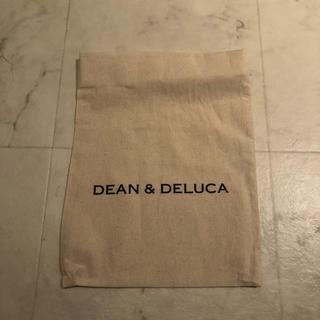 ディーンアンドデルーカ(DEAN & DELUCA)のDEAN  & DELCA巾着(ポーチ)