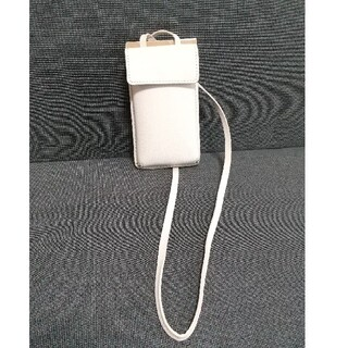 ザラ(ZARA)のZARA BASIC 携帯携帯 定期入れ カードケース(モバイルケース/カバー)