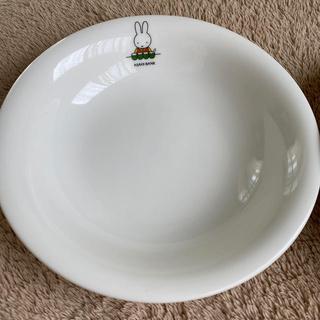 ディックブリューワー(Dick Brewer)のミッフィー皿20.5cm 2枚 未使用品 ASAHI BANKロゴ有(食器)