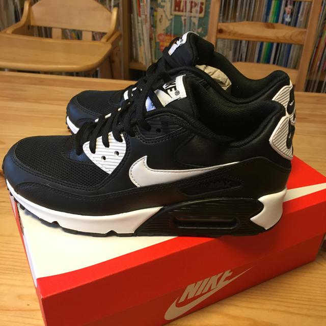 NIKE(ナイキ)の新品✨23cm エアマックス 90 白黒 レディースの靴/