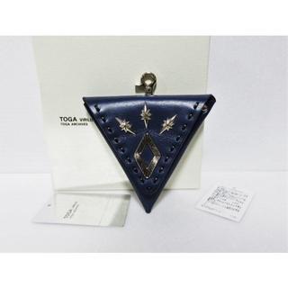 トーガ(TOGA)のTOGA VIRILIS Metal triangle coin case(コインケース/小銭入れ)