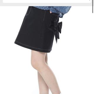 スピンズ(SPINNS)のSPINNS リボンスカート(ひざ丈スカート)