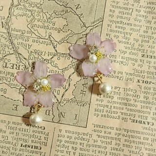 NEW!桜とゆらゆらコットンパールピアス(ピアス)
