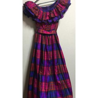 エメ(AIMER)のAIMERコンサート豪華カラードレスウエディング赤紫系大人可愛い(ウェディングドレス)