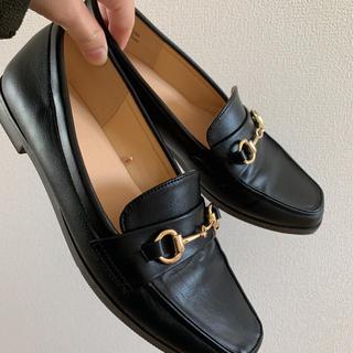 ジーユー(GU)のビットローファー M 23.5  黒(ローファー/革靴)