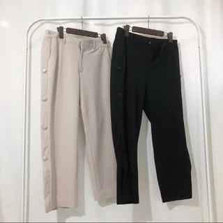 バレンシアガ(Balenciaga)のcruffin side snap button cropped pants(スラックス)