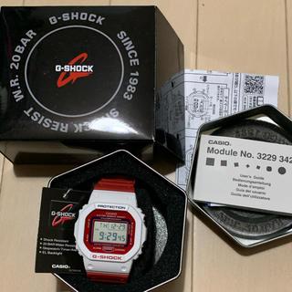 値下交渉可dw 5600 G-SHOCK レトロ 新品 未使用 赤 白(腕時計(デジタル))
