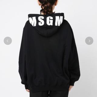 エムエスジイエム(MSGM)の新品 MSGM エムエスジーエム フード ロゴパーカー レディース ブラック M(トレーナー/スウェット)