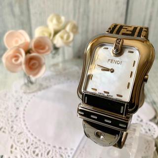 フェンディ(FENDI)の【美品】FENDI フェンディ 腕時計 3800G シェル ズッカ柄(腕時計(アナログ))