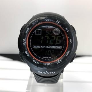 スント(SUUNTO)の【最終価格】スント ベクター ブラックxオレンジ(腕時計(デジタル))