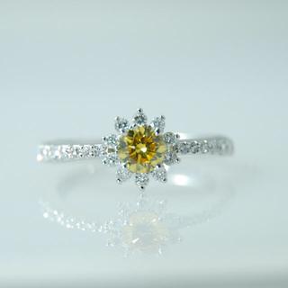 天然カラーダイヤ Fancy vivid yellow リング ファンシーカラー(リング(指輪))