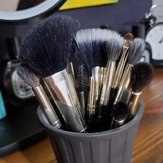 ローラメルシエ(laura mercier)のLaura Mercier brush ローラメルシエ メイクアップ ブラシ(チーク/フェイスブラシ)