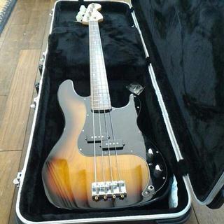 squier by fender precision bass【サンバースト】(エレキベース)