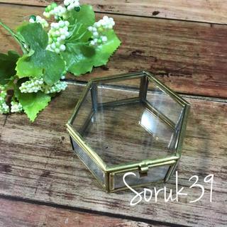 マライカ(MALAIKA)の【送料無料】ガラスケース Mサイズ マライカ 六角形 結婚式 リングピロー(リングピロー)