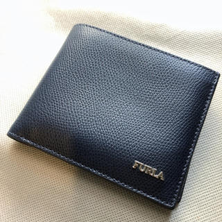 フルラ(Furla)の【美品】FURLA二つ折り財布 ネイビー【送料込】(折り財布)