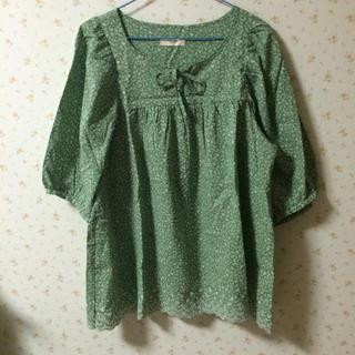 刺繍 グリーンカットソー(シャツ/ブラウス(長袖/七分))