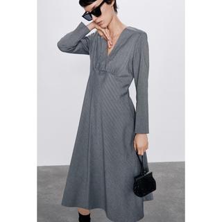 ザラ(ZARA)のMIDI ドレス(ミディアムドレス)