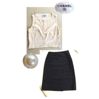 シャネル(CHANEL)のCHANELセット ココマークパールボタンシルクシャツ&ココマーク刺繍スカート(セット/コーデ)