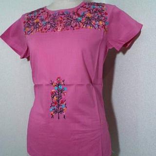 アンティックバティック(Antik batik)のANTIK BATIK 花柄刺繍カットソー ピンク M(シャツ/ブラウス(半袖/袖なし))