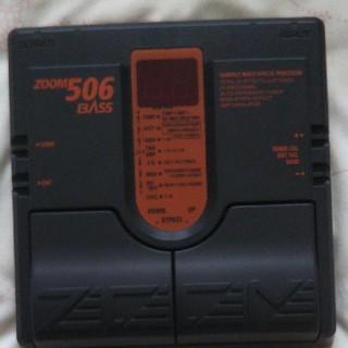 ズーム(Zoom)のベース用エフェクター ZOOM506(ベースエフェクター)