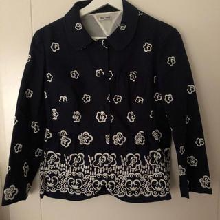 ミュウミュウ(miumiu)のmiumiu コットンジャケット 刺繍(テーラードジャケット)
