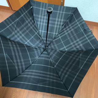 バーバリー(BURBERRY)の未使用 バーバリー 定番チェック 折り畳み傘 しっかりとした生地(傘)