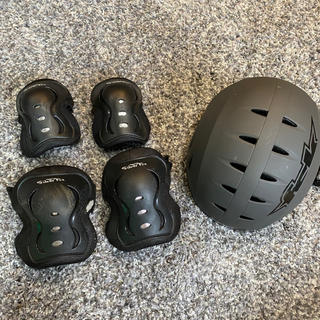 FSK silverfox スケートボードプロテクターヘルメットセット(スケートボード)
