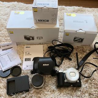ニコン(Nikon)のNikon NIKON 1 J5 Wレンズキット SILVER(ミラーレス一眼)