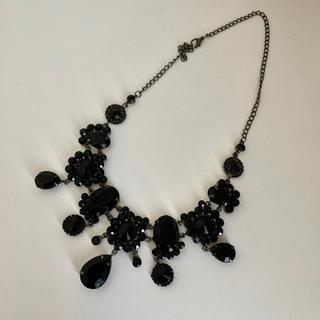 エモダ(EMODA)のネックレス ビジュー 結婚式 二次会 パーティー ドレス 黒 ブラック(ネックレス)