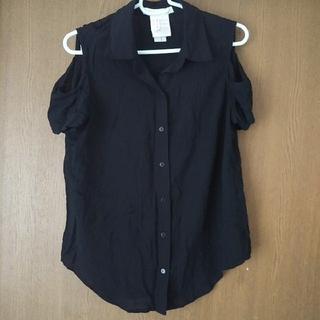 ビーシービージーマックスアズリア(BCBGMAXAZRIA)のゆん様専用♪ BCBG肩だしシャツ♪(シャツ/ブラウス(半袖/袖なし))