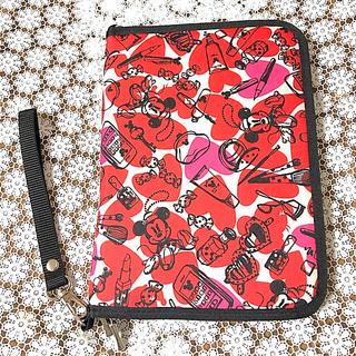 ディズニー(Disney)のミニー パスポートケース(旅行用品)