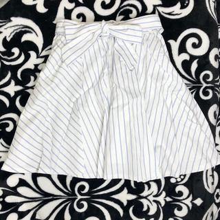 ハニーズ(HONEYS)の水色のストライプスカート(ひざ丈スカート)