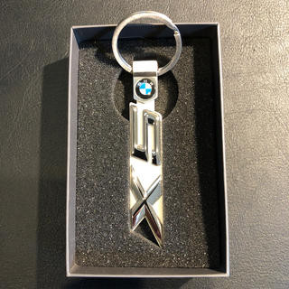ビーエムダブリュー(BMW)のBMW純正キーホルダー x5メタル 定価¥3,750(その他)