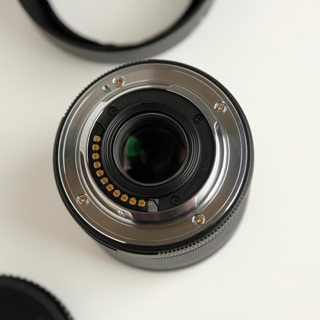 OLYMPUS(オリンパス)のOLYMPUS 25mm f1.8 black オリンパス 黒 スマホ/家電/カメラのカメラ(レンズ(単焦点))の商品写真