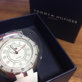 トミーヒルフィガー(TOMMY HILFIGER)の【※値下げ中※】TOMMY HILFIGER 腕時計 ホワイト 1781271 (腕時計)