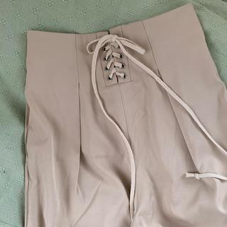 ザラ(ZARA)のバースデーバッシュ 編み上げ パンツ(クロップドパンツ)