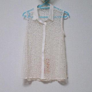ジーユー(GU)のGU ノースリーブブラウス 未使用(シャツ/ブラウス(半袖/袖なし))