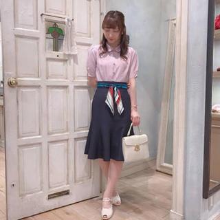 フィント(F i.n.t)のベルト付きマーメイドラインスカート (ひざ丈スカート)