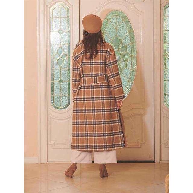 eimy istoire(エイミーイストワール)のリバーシブルチェックコート ベージュ ガウン ロングコート レディースのジャケット/アウター(ロングコート)の商品写真