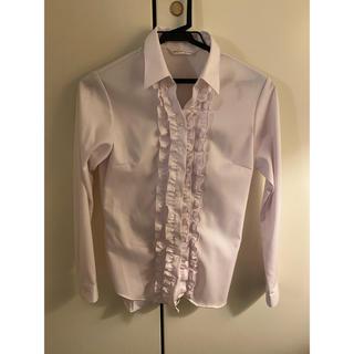 アオヤマ(青山)のスーツ用 フリル付き ピンクワイシャツ(シャツ/ブラウス(長袖/七分))