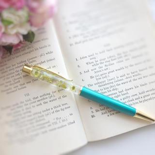 綺麗なグリーンのハーバリウムボールペン(その他)