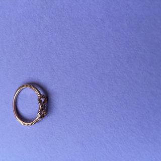 ジルスチュアート(JILLSTUART)のK10PGグログランリボンピンキー(リング(指輪))