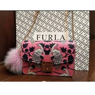 フルラ(Furla)のFURLA 孔雀柄のハンドバッグ(バッグ)