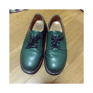 ドクターマーチン(Dr.Martens)のdr.martens 緑 シューズ(ローファー/革靴)